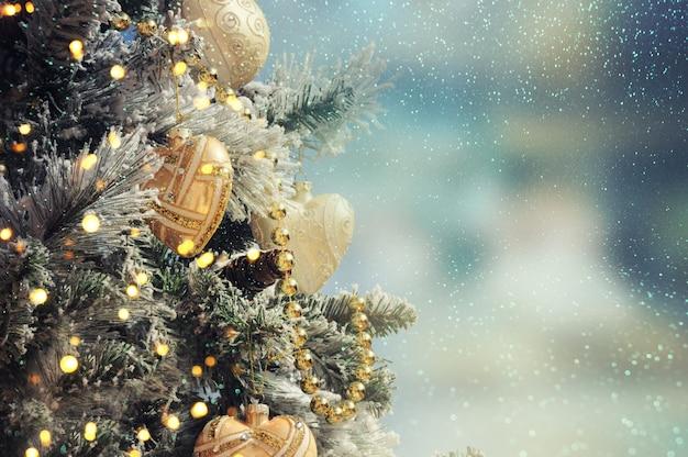Drzewko świąteczne. tło wakacje.