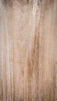 Drzewo węzeł na pionowej drewnianej desce