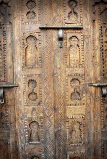 Drzwi drewniane rzeźbione