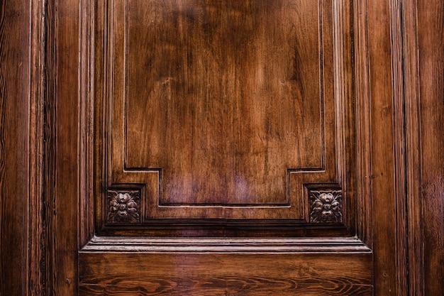 Drzwi wykonane z drewna na teksturę