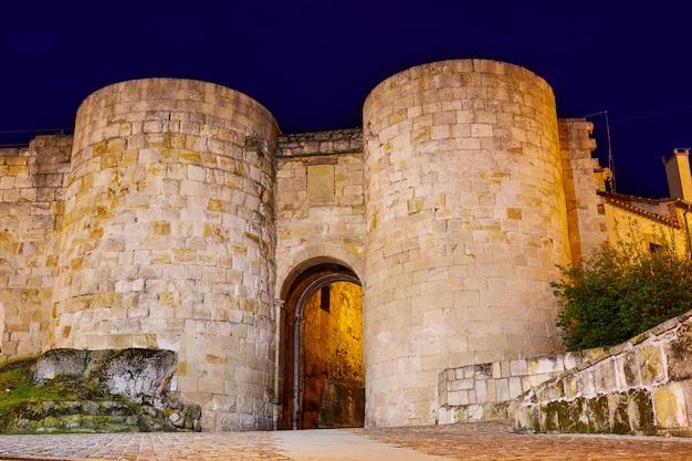 Drzwi zamory dona urraca w hiszpanii
