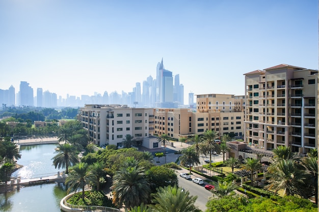Dubaj, zjednoczone emiraty arabskie - fabruary 04 społeczność zielonych 4 lutego 2021 r. w dubaju