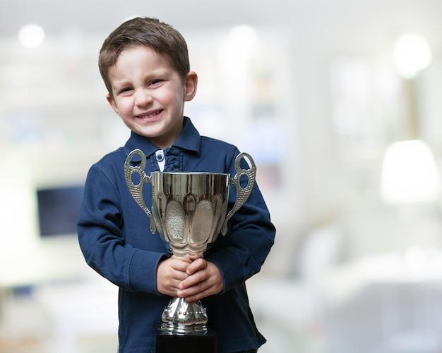 Dumny dziecko z jego nagrody