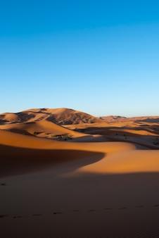 Dunas amanecer desierto merzouga vertical