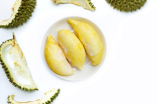 Durian na białym tle. widok z góry