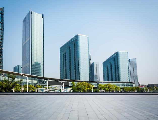 Duże budynki biurowe