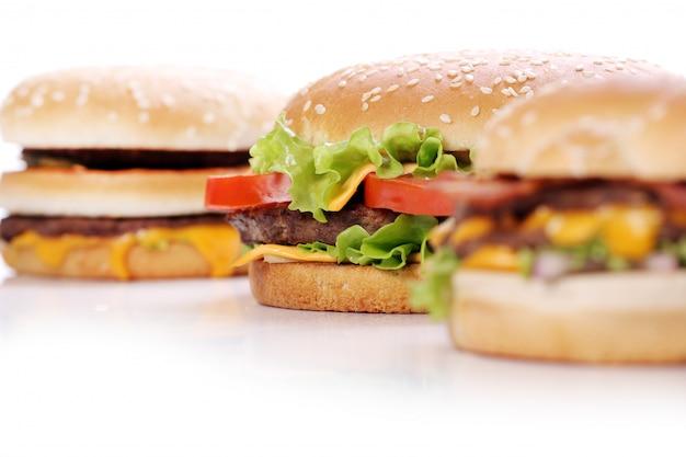 Duże i smaczne hamburgery