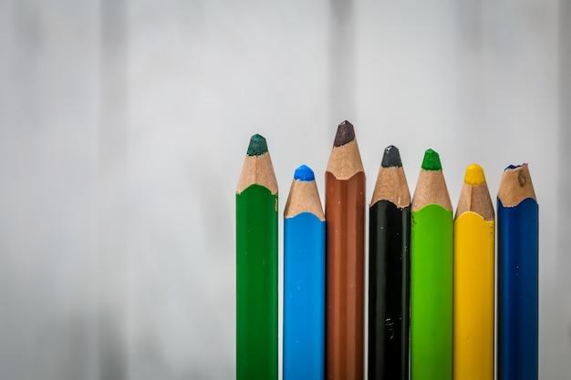 Duże kolorowe kredki