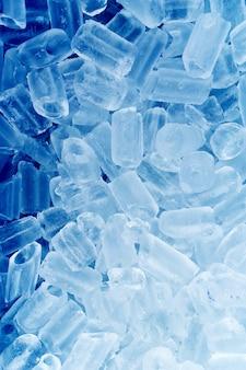 Dużo lodu na niebiesko