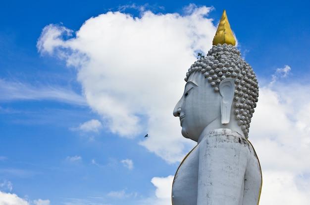 Duży buddha na supanburi, tajlandia