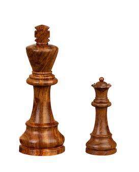Duży król i mała królowa na białym tle na białej przestrzeni