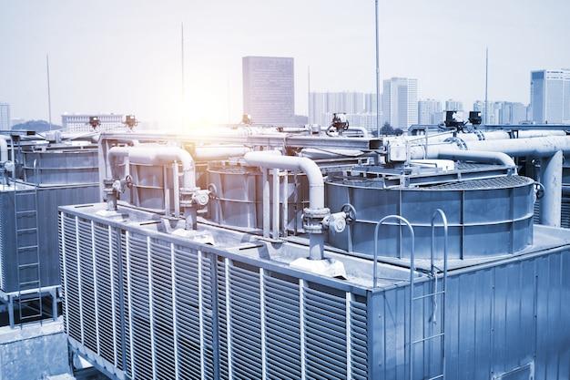 Duży rurociąg centralnego układu klimatyzacji wentylatorów chłodzących,