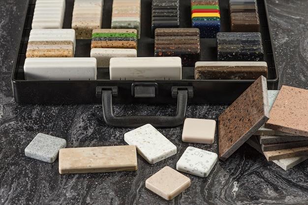 Duży wybór próbek kamienia na blaty i podłogi kawałki sztucznego kamienia akrylowego w ...