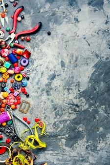 Duży zestaw koralików dla kreatywności