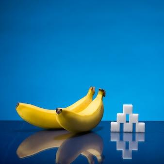 Dwa banany i cukier