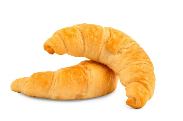 Dwa croissant chleba na białym tle