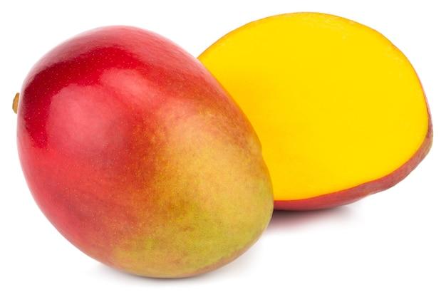 Dwa mango na białym tle ścieżka przycinająca.