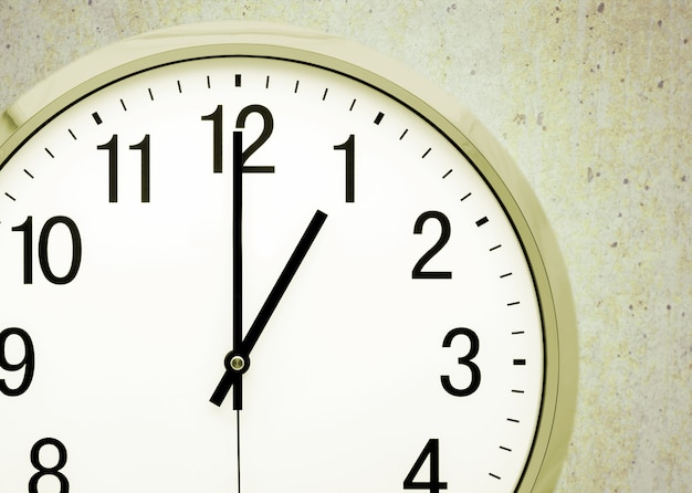 Dwanaście godzin