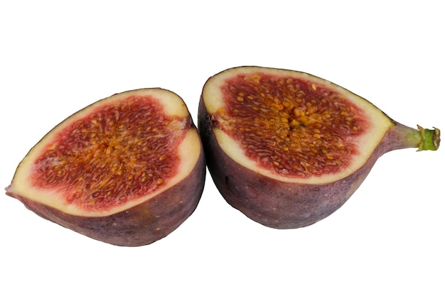 Dwie połówki owocu figowego z bliska makrofotografii na białym tle na białym tle