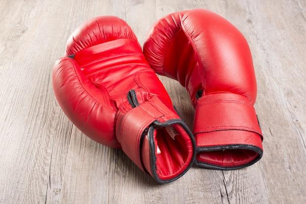 Dwie rękawice bokserskie