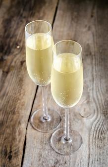 Dwie szklanki szampana