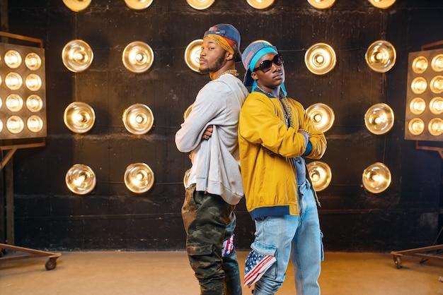Dwóch czarnych raperów