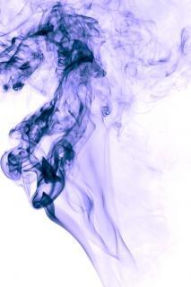 Dym na białym krzywej
