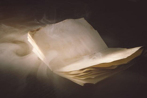 Dym wer stary notatnik