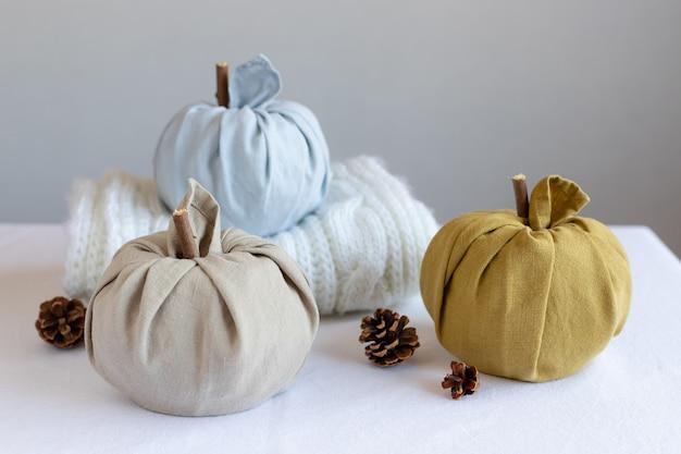 Dynie z tkaniny na jesienne dekoracje do domu zero waste thanksgiving halloween