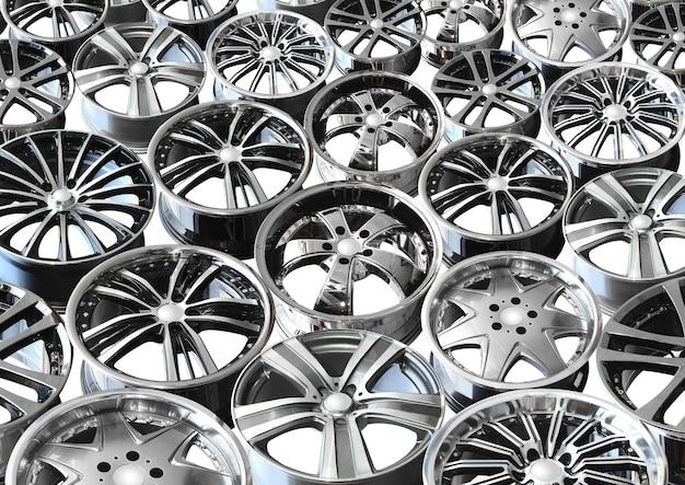 Dyski samochodowe ze stopów metali na białym tle