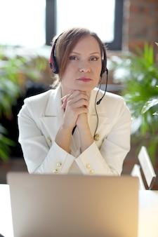 Dyspozytor w biurze