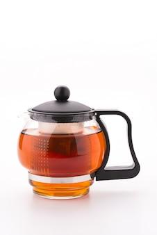 Dzbanek do herbaty na białym tle