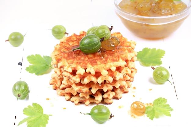Dżem agrestowy z domowymi goframi zdrowa żywność