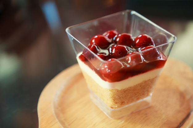 Dżem malinowy słodki deser, sernik, drobiazg, przekąska z musem
