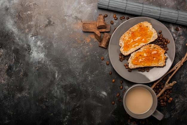 Dżem na grzanki chleba kopii przestrzeni