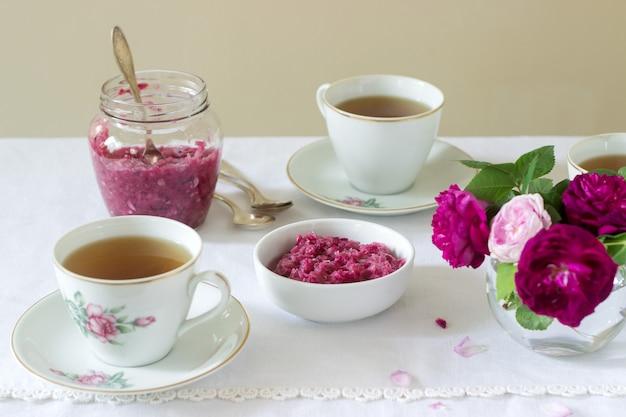 Dżem z płatków róży damasceńskiej