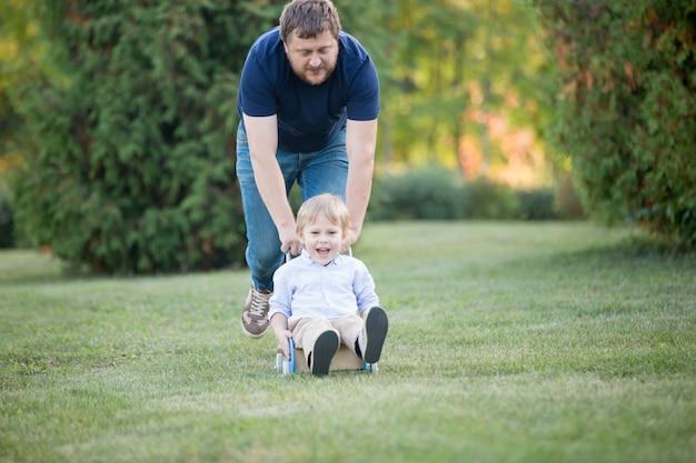 Działalność ojca i syna
