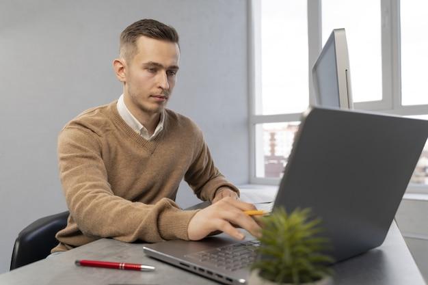 Działalności człowieka w pracy