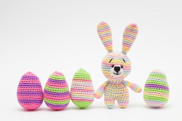 Dzianiny wielkanocne dekoracje jajka, kwiaty, króliczek. ręcznie robione, amigurumi