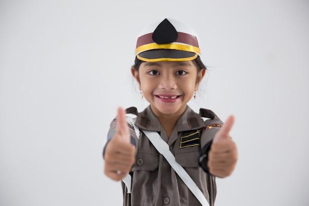 Dzieciak udający policjanta