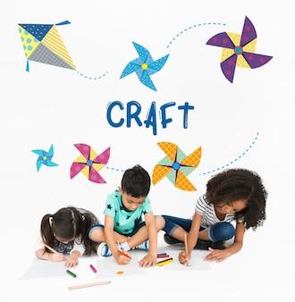 Dzieciństwo wypoczynek hobby wyobraźnia concept