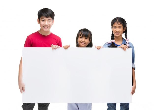 Dziecko azjatyckie posiada pusty znak
