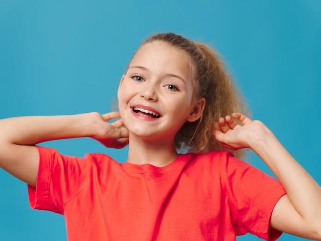 Dziecko dziewczynka pozowanie portret
