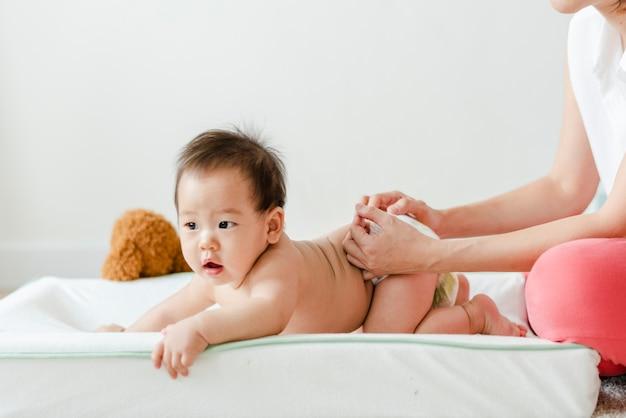 Dziecko o zmianę pieluchy