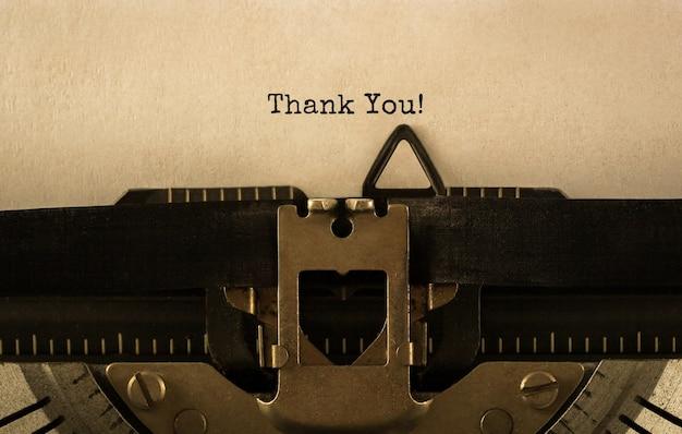 Dziękuję Tekst Wpisany Na Maszynie Do Pisania Retro Premium Zdjęcia