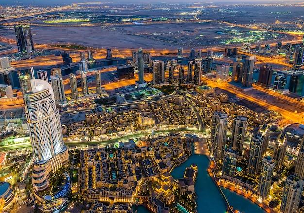 Dzielnica business bay widziana z burj dubai