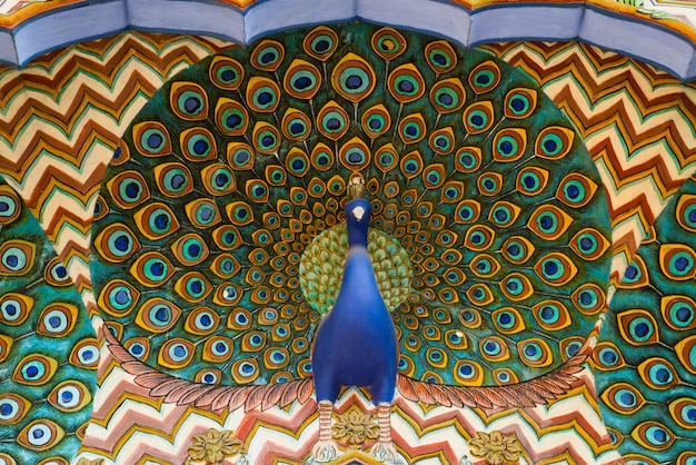 Dzieło sztuki w city palace. jaipur, radżastan, indie