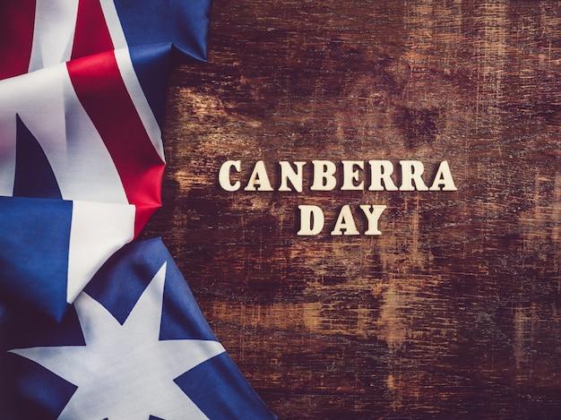 Dzień canberra z flagą australii