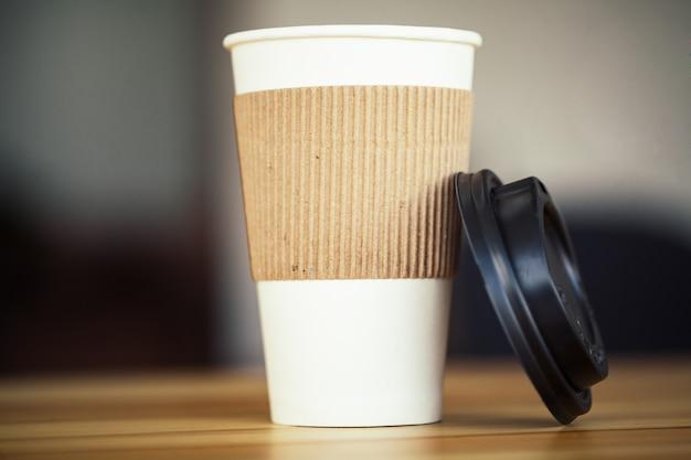 Dzień dobry. cup of coffee to go