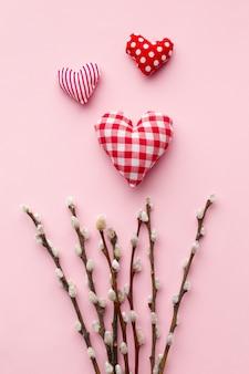 Dzień kobiet elementy na różowym tle